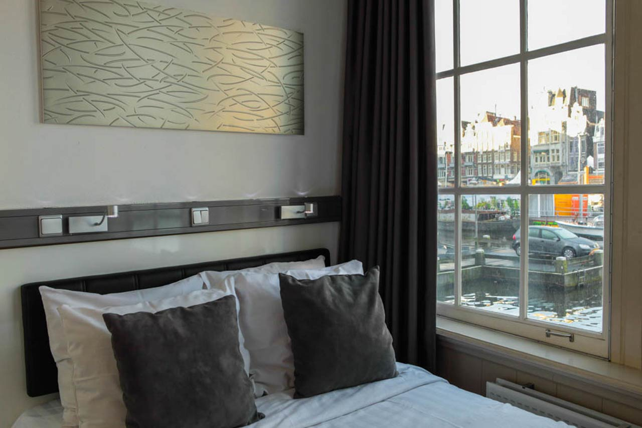 Small Double Room with canal view