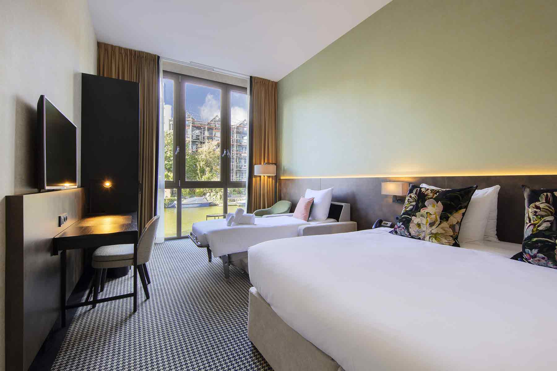 monet-garden-hotel-amsterdam
